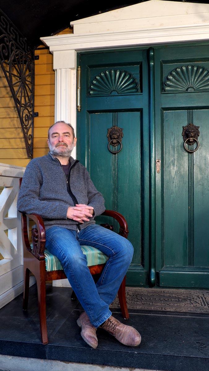 Хозяин дома, архитектор, Михаил Хренов.