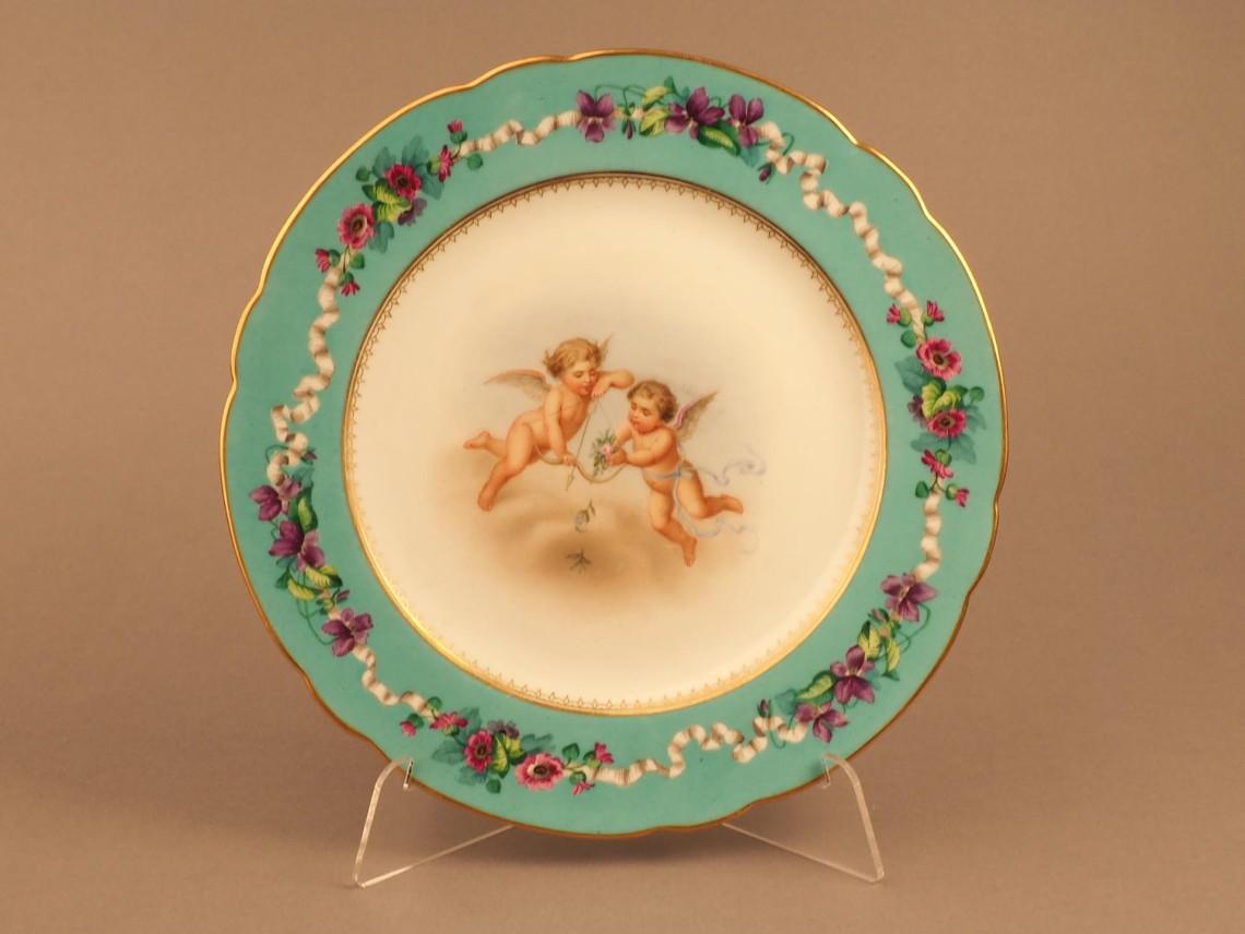 Тарелка с изображением двух Амуров