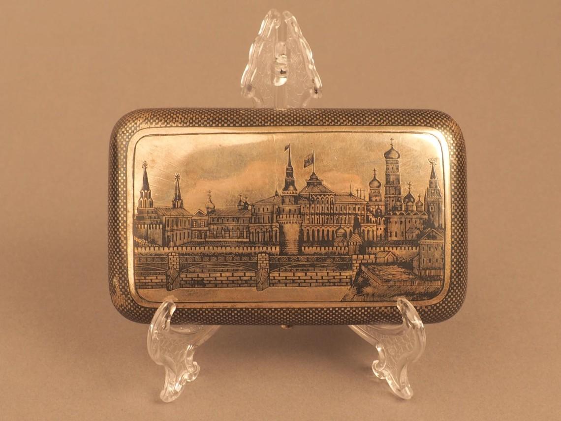 Портсигар с видом на московский Кремль
