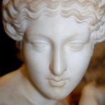 Скульптура «Купающаяся Афродита» (Venus Accroupie)