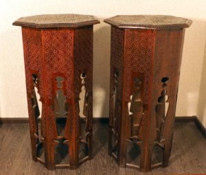 Подставки – консоли в мавританском стиле